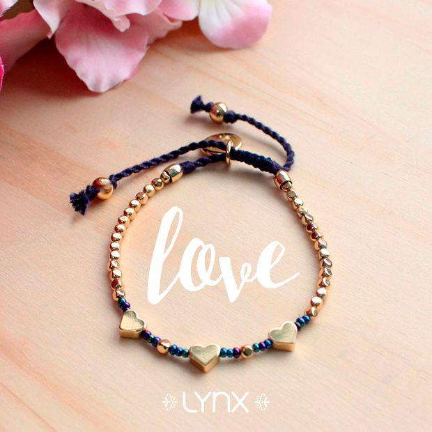 ¡Hechos con amor! ❤️Visítanos y conoce nuestras pulseras de mostacilla con corazones #Spring #newcollection #ILoveLynx #new #hearts