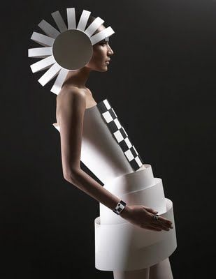 Head of pages: Paper Sculpture Fashion by Zaharova and Plotnikov