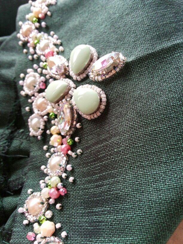 Stone on Dark green malay tradition baju kurung