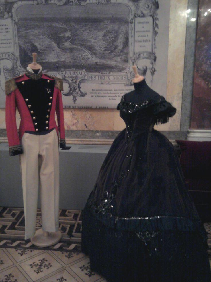 '800 Moaret Nero con uniforme rossa