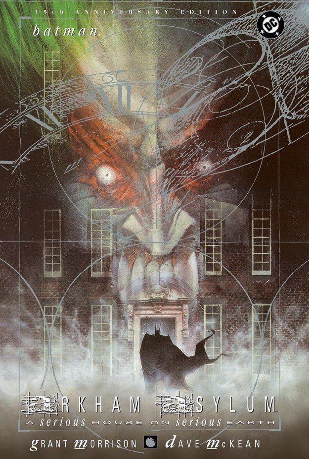 Batman: Arkham Asylum, de Grant Morrison y Dave McKean | 13 Novelas gráficas que te harán llorar