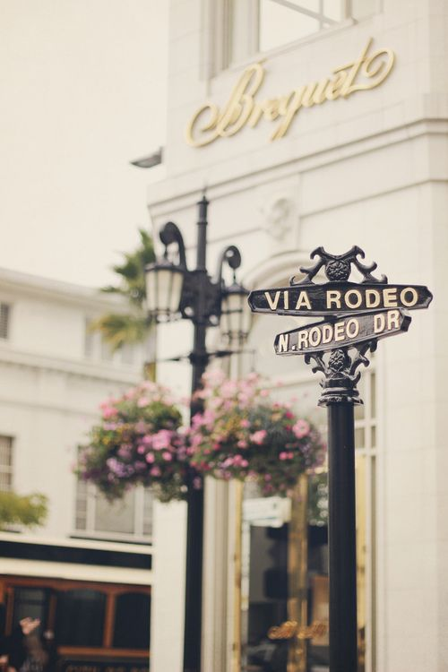 Favourite spot for people watching.   Rodeo Drive, Beverly Hills