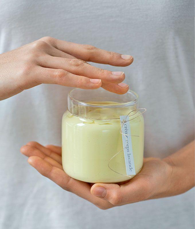 Faire une crème hydratante pour le corps à la lavande    Make a moisturizing body cream with lavende