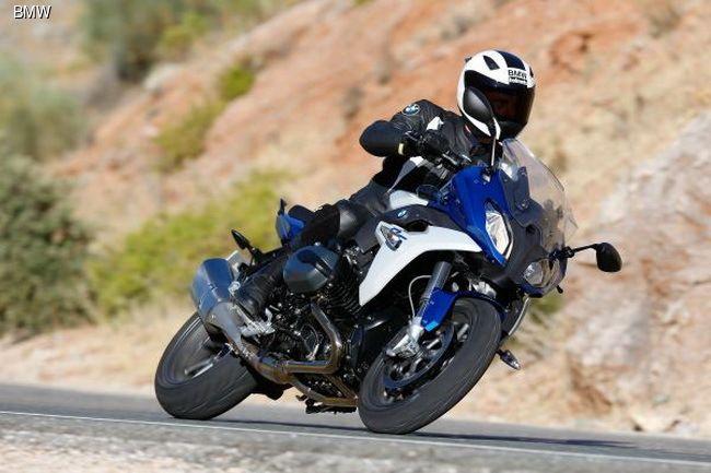 Триумф BMW Motorrad: мотоциклы завоевывают 10 призовых мест и 4 победы в конкурсе «Мотоцикл года 2015».