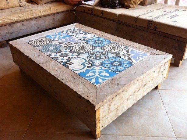 leuk idee voor salontafel buiten, met patroontegels
