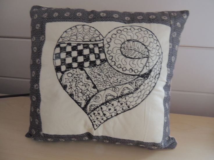 Freestyle embroidery zentangle cushion sticken