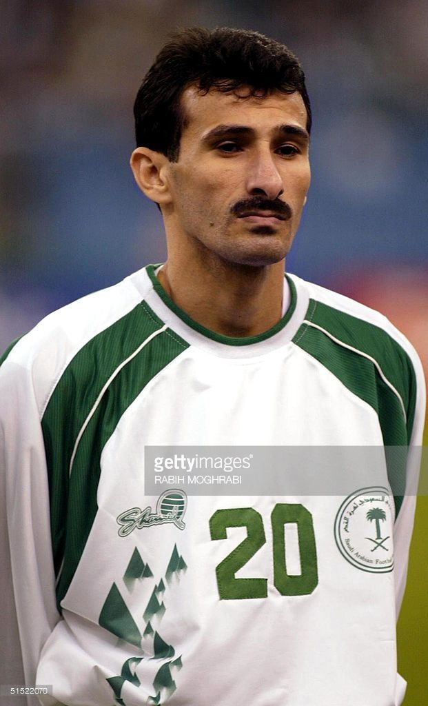 portrait-of-saudi-arabia-national-soccer-team-player-alhassan-alyami-picture-id51522070 (621×1024)
