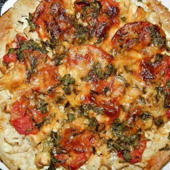 Простой рецепт диетической пиццы. Как правильно приготовить любимое блюдо, чтобы есть и не поправляться.