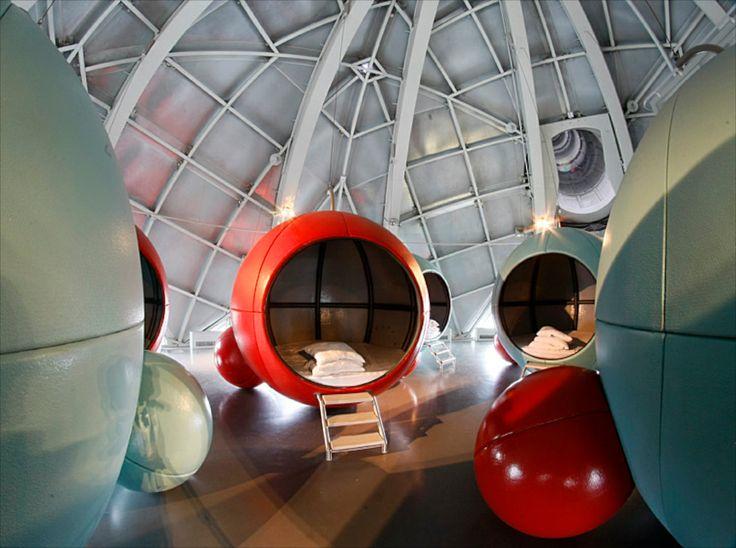 #Atomium - Kids'Sphere / Kinderbol / Sphère des Enfants. Dormitory.