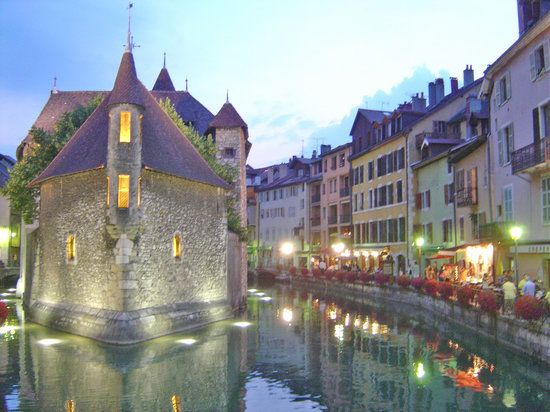 10 secretly stunning towns in Europe - Annecy (Rhone-Alpes, France)