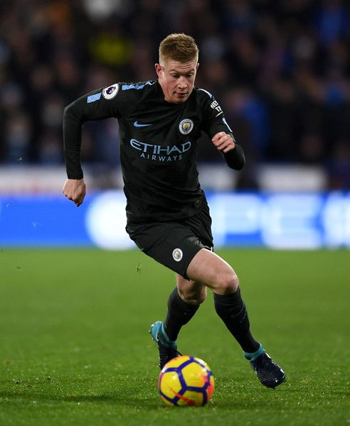 Kevin De Bruyne Photos - Kevin De Bruyne of Manchester City during the Premier League match between Huddersfield Town and Manchester City at John Smith's Stadium on November 26, 2017 in Huddersfield, England. - Huddersfield Town v Manchester City - Premier League