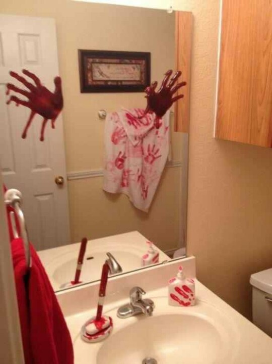 Pin by monica martinez on halloween pinterest for Halloween bathroom ideas