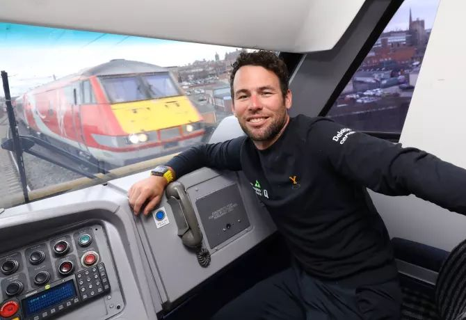 Mark Cavendish gets a cab ride to the Tour de Yorkshire Cycle Race Launch with Virgin Trains