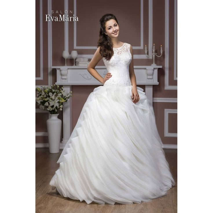 Svadobné šaty s krajkovaný vrškom a širokou sukňou Selin