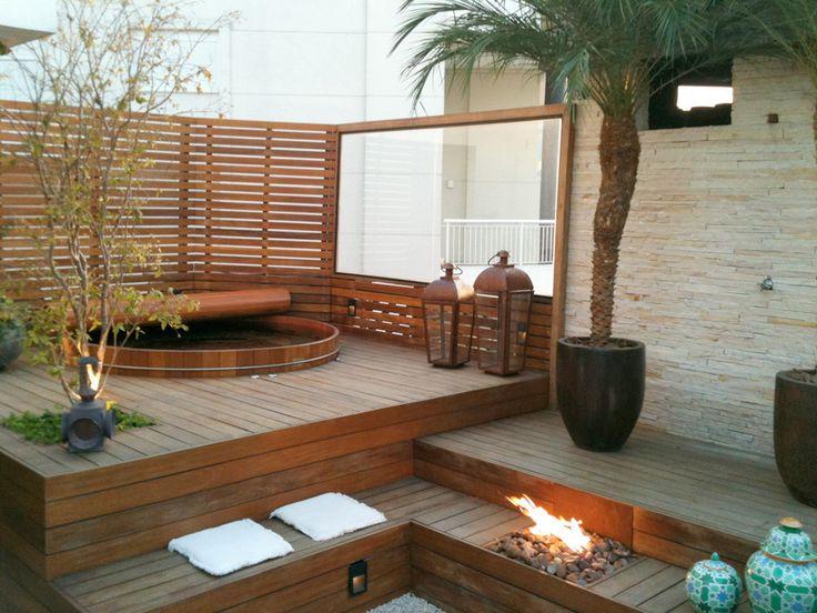 ofuro em jardim pequeno:Outdoor Japanese Soaking Tub