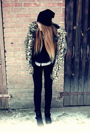 Panther and Beanie (by Kate Jabłońska) http://lookbook.nu/look/4329791-Panther-and-Beanie
