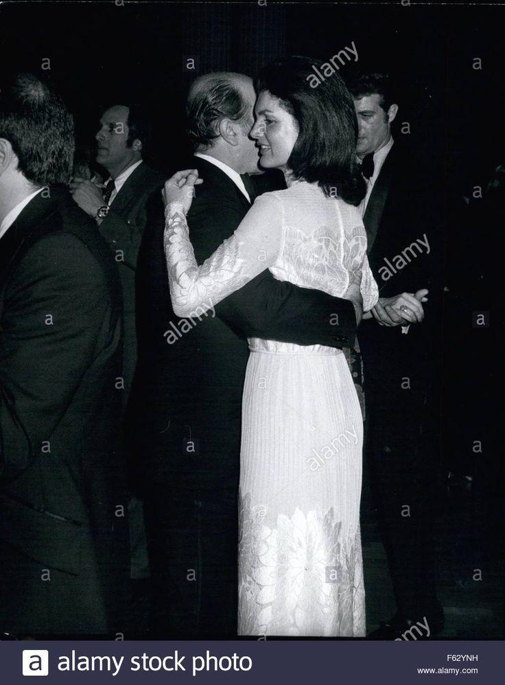 EVGENIA GL 1968 -DANCING  Jackie Kennedy Onassis. © Keystone Pictures USA/ZUMAPRESS.com/Alamy Live News Stock Photo