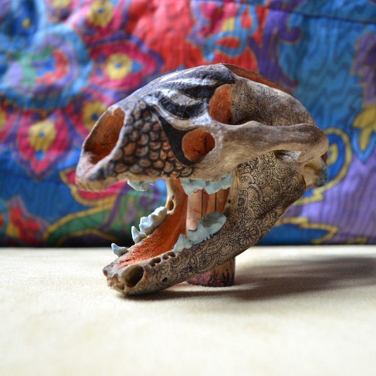 http://clelia.org/ crânes peints.