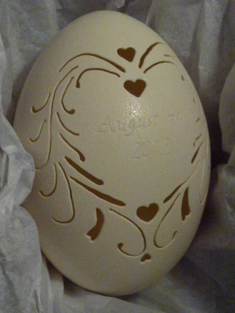 Carved Rhea: Wedding Egg Custom Name Date por loxie28 en Etsy