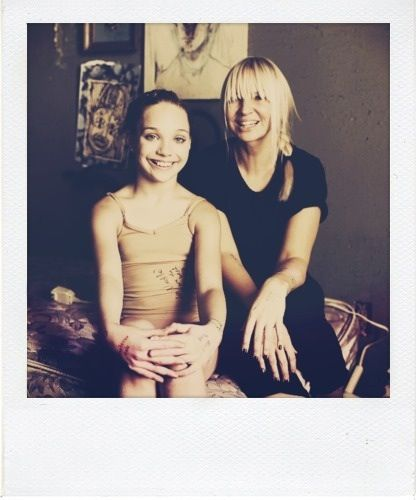 35 best Sia images on Pinterest | Chandeliers, Maddie ziegler and ...