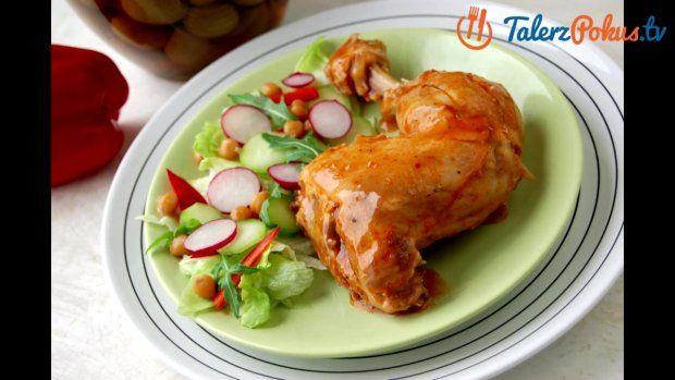 Łatwy przepis na pikantnego kurczaka w sosie pomidorowym | wideo