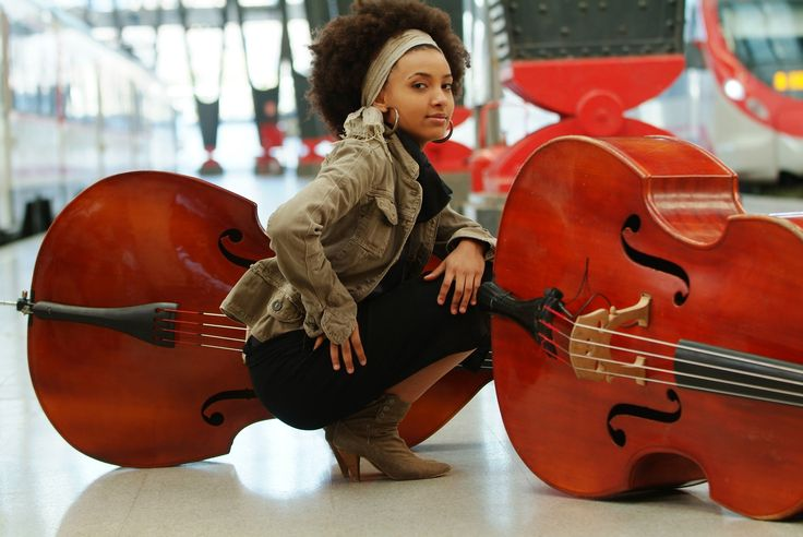 images of espranza singer   In 2011, Spalding extremely talented jazz bassist, composer and singer ...: Music, Style, Jazz, Esperanzaspalding, Natural Hair, Esperanza Spaulding, Singer, Esperanza Spalding, Head Scarf