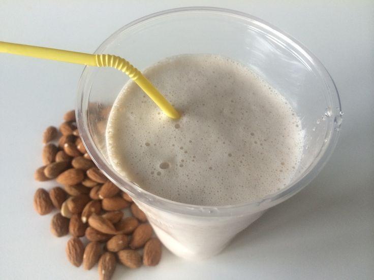 Mandľové mlieko = metabolická,acidobázická rovnováha. Stravovať sa zdravo a prispieť k tomu svojími šikovnými rukami vás bude tešiť a nadchýňať - hlavne ak zistite, že na to potrebujete málo času a energie. Tento recept na domáce mandľové mlieko vám oživí jedálniček, dodá energiu,vitamíny,minerály a oceníte aj jeho dlhodobý efekt zasýtenia. Má nízky glykemický index a…