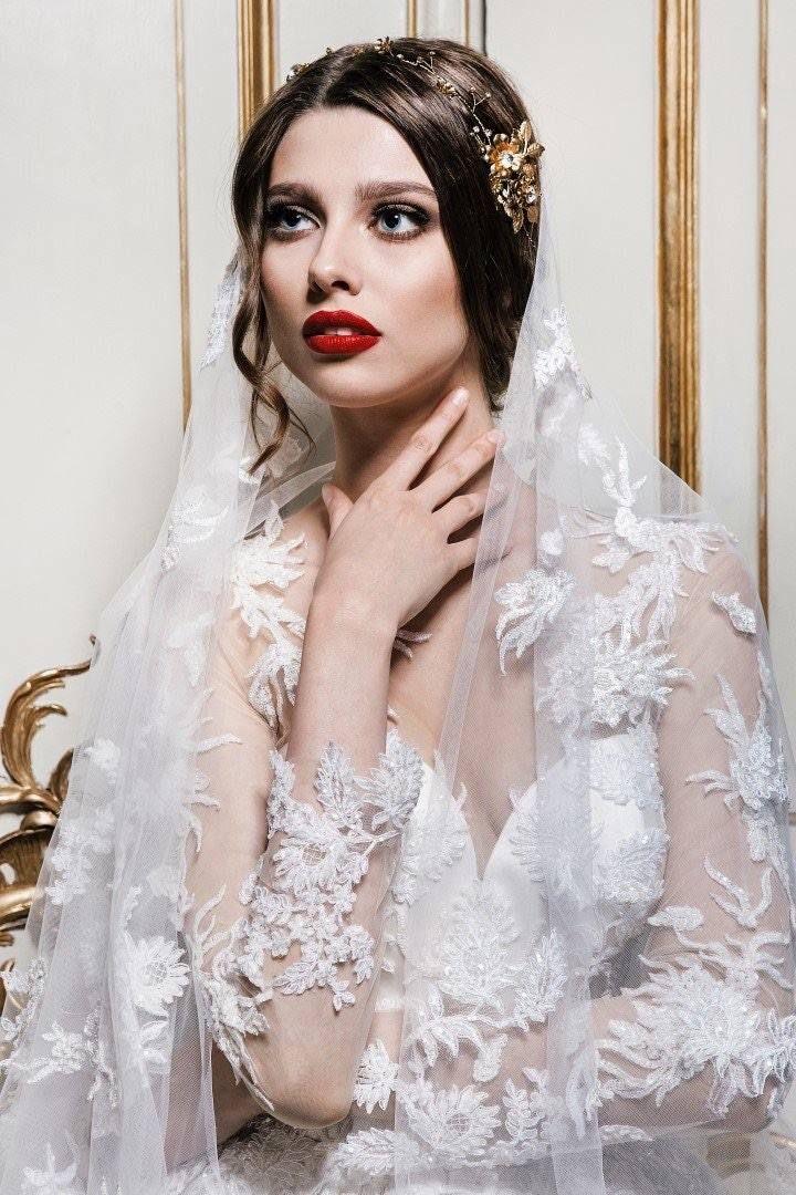 Decolove Golden Rose Briadal Tiara in Laurelle 2016 Wedding Campaign