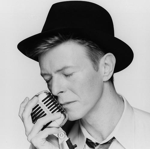 David Bowie channelling Frank Sinatra!