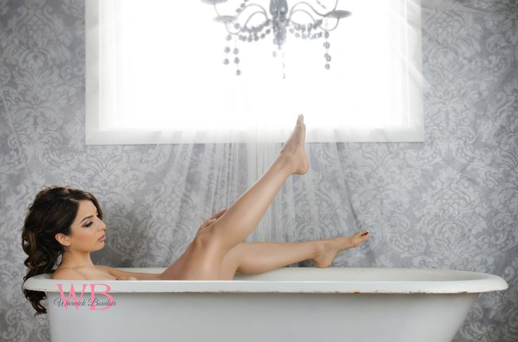 Warwick boudoir photography info for Bathroom photoshoots