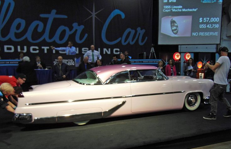 The palette was pastels at a very lively Toronto Collector CarAuction | Credit: Alyn Edwards