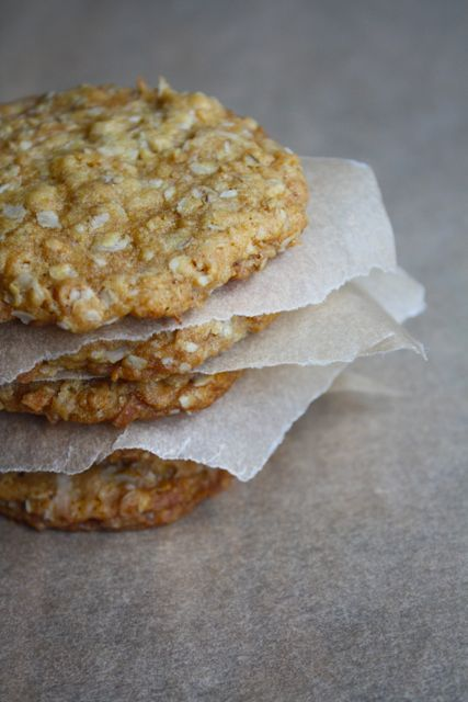Anzac Biscuits. An Australian cookie with oats, coconut and a touch of sugar. Not too sweet... sounds delicious!