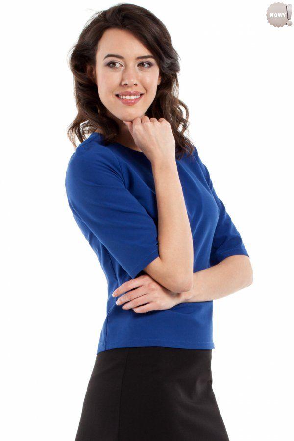 Gładka bluzka damska z krótkimi rękawami, zapinana z tyłu na kryty zamek błyskawiczny. #bluzka #damskam#kobieta #moda #trendy  #chaber