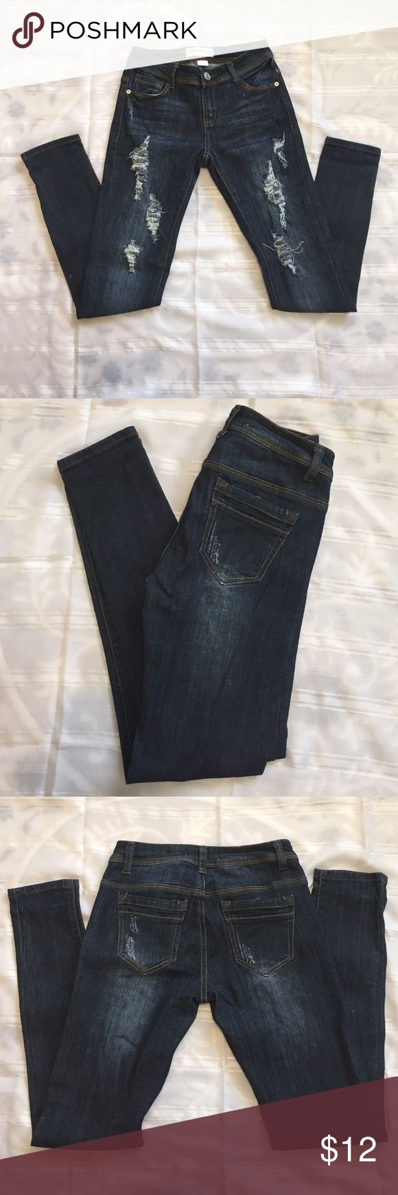 Girls ripped jeans ❤️💄❤️ Girls ripped jeans in excellent condition approximately 37 1/2 inch long. Bottoms Jeans