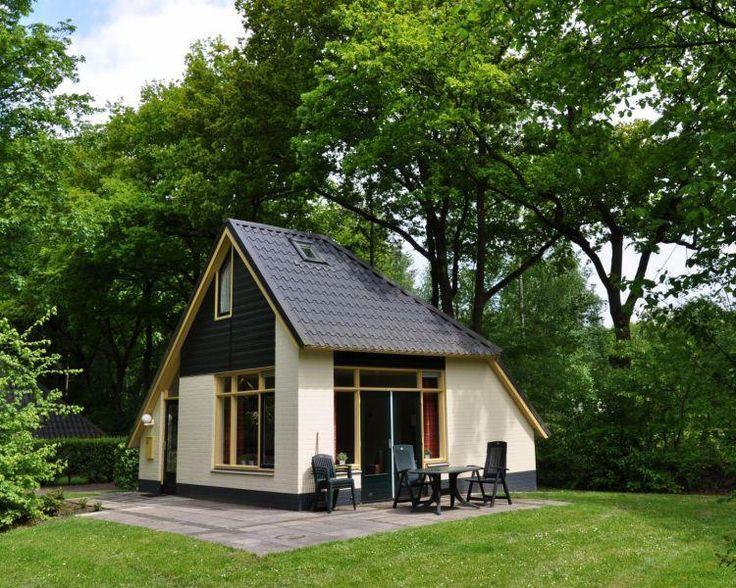 4-persoons Vakantiehuis  Description: Pluspunten: - Bezoek Dierenpark Emmen of Hanzestad Zwolle - Gelegen in het schilderachtige plaatsje Dalfsen aan de rivier de Overijsselse Vecht - Beschikt over een uitgebreide wellness studio met fitness - Verschillende attractieparken in de nabije omgevingLigging van Buitenplaats Gerner. Buitenplaats Gerner is gelegen in het schilderachtige plaatsje Dalfsen aan de rivier de Overijsselse Vecht. Dalfsen ligt op ca. 16km ten oosten van Zwolle. Faciliteiten…
