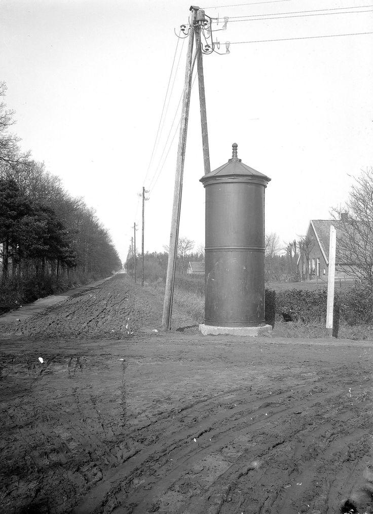 Transformatorzuil op kruising landwegen1-12-1914.jpg (1906×2625)