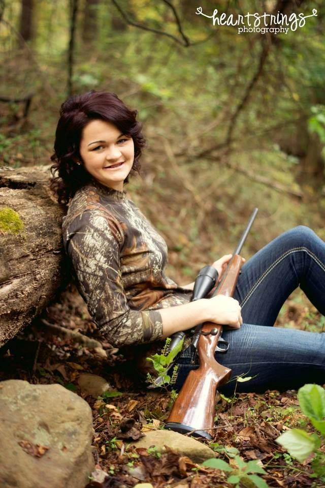 Heartstrings Photography https://www.facebook.com/heartstrings.photo senior, girl, gun, hunting, camo