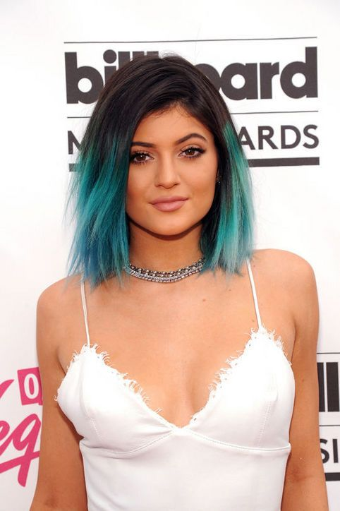 This type of ombre is not really common but certainly stylish. #ombre #hairstyle #style #fashion