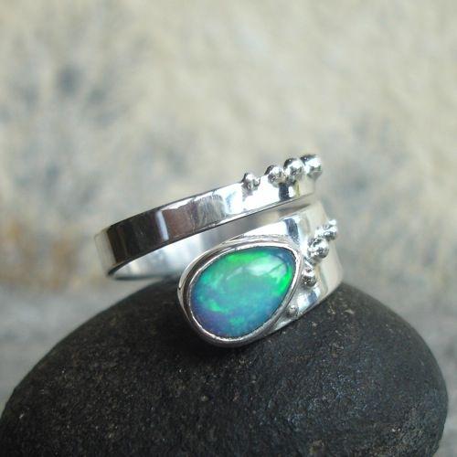 OPALe - srebrny pierścionek z opalem szlachetnym / Rivendell / Biżuteria / Pierścionki