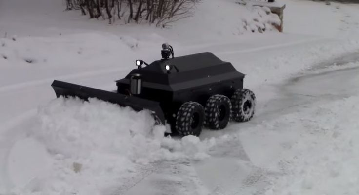 Meet ROBOPLOW – The Snow Plowing RC Robot! No More Lower Back Pain! I WANT ONE NOW! #Toy, #Truck, #Trucks  - http://vixert.com/meet-roboplow-snow-plowing-rc-robot-no-lower-back-pain-want-one-now/