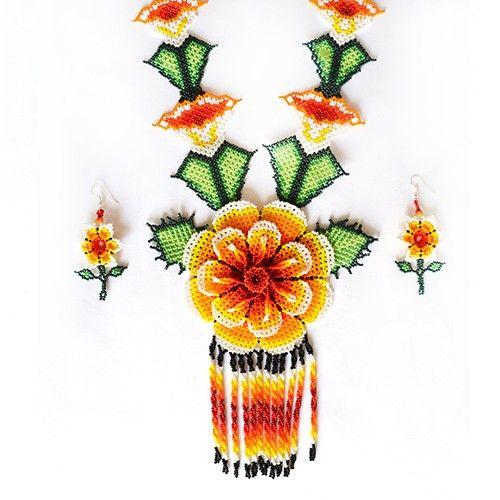 Artesania huichol - Collar de chaquira