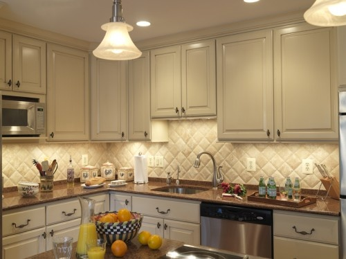 nice tile backsplash: Durango 4x4 tile