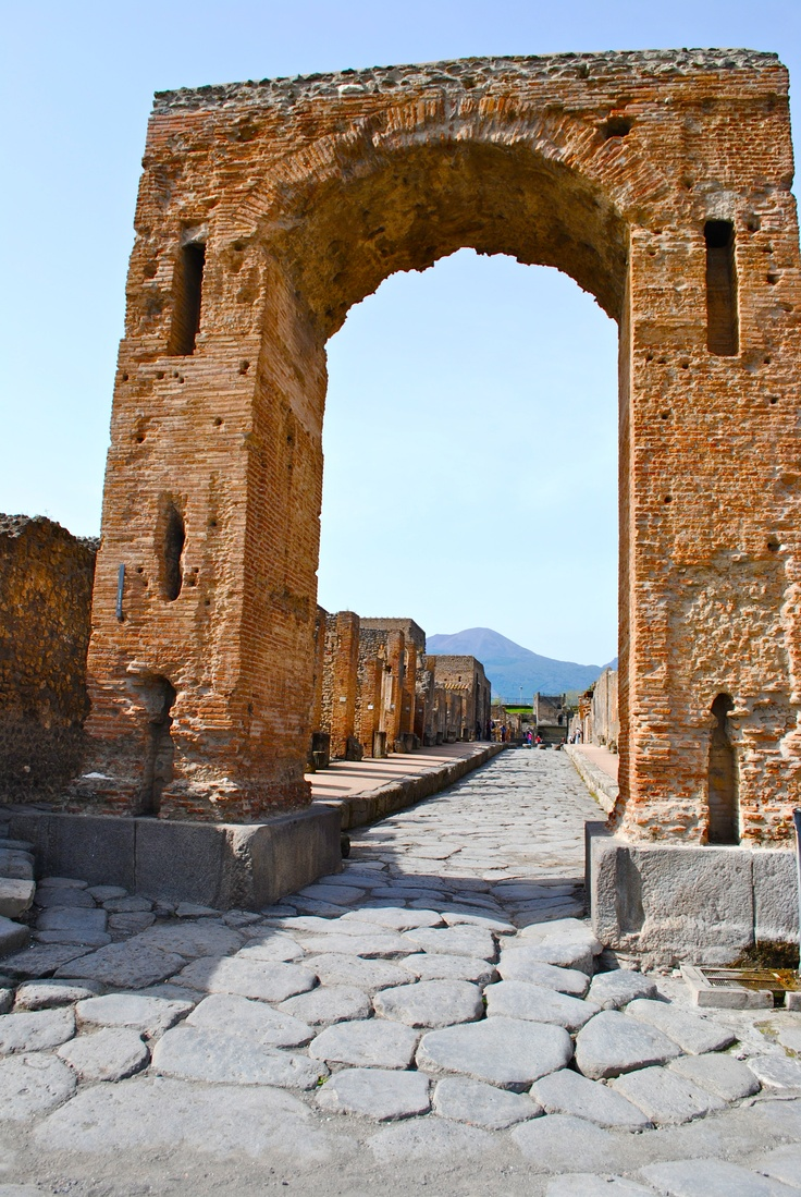 Pompeii... hard to imagine the city while it was covered with ash!