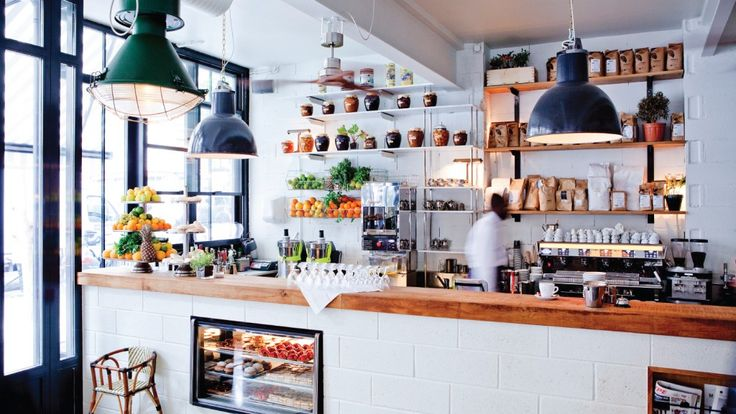 Café - Bar - Restaurant - Brasserie | 2, Boulevard Barbès 75018 Paris - Tous les jours 08H-02H.
