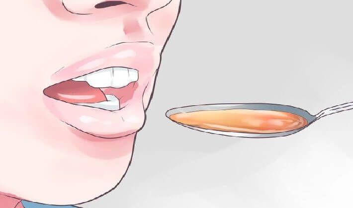 5 čajových lžiček organického medu 1 lžička růžové Himálajské mořské soli Smíchejte tyto složky a uložte si je do skleněné nádoby. Můžete si toho vytvořit kolik chcete, ale poměr 5: 1 funguje nejlépe. Dejte si trochu směsi pod jazyk, každý večer když půjdete spát a nechte přirozeně rozpustit. Himálajská sůl obsahuje více než 80 minerálních …