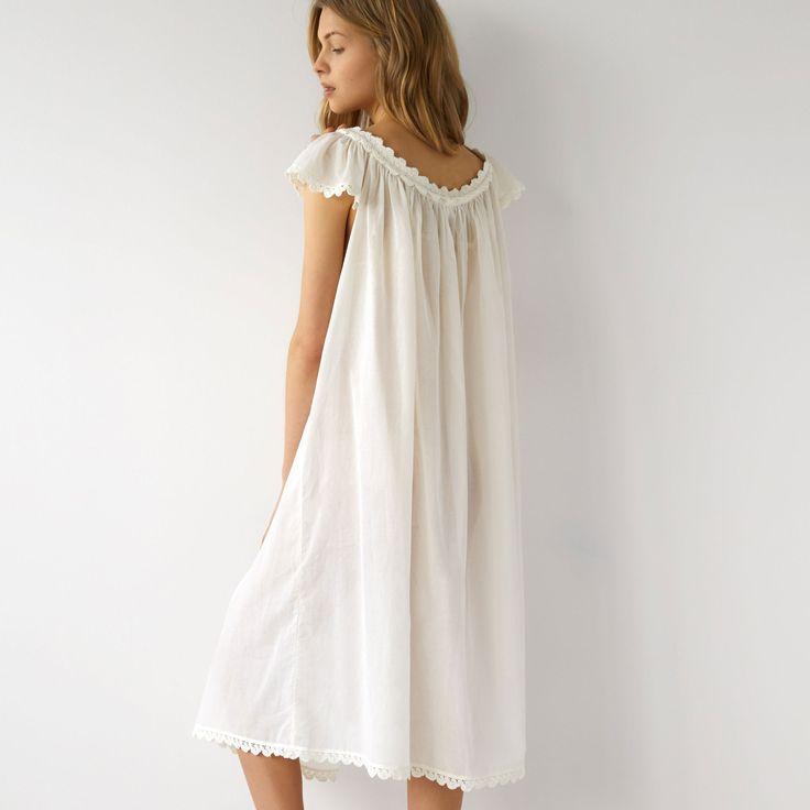 Billede 2 af produktet: Natkjole i bomuld med v-udskæring