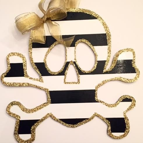 Ki Designs Gasparilla Skull and Crossbone Pirate Wreath and Gasparilla decor #ymkg #gasparilla #gasparillawreaths #pirates Striped and Sparkle