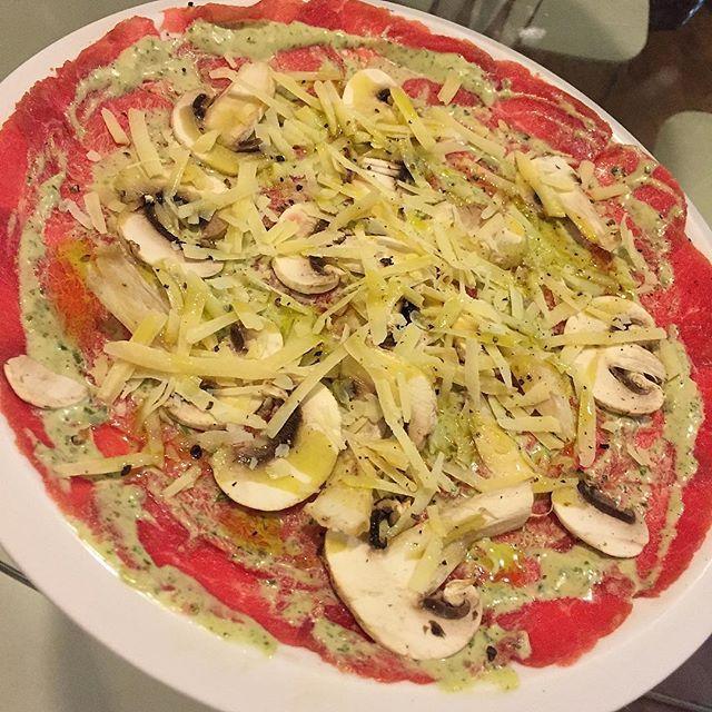 Feliz martes! Cambia tu almuerzo o cena tradicional por nuestro delicioso Carpaccio de Lomito esta listo para servir y comer! Te esperamos hasta las 7:30 pm. En @empacadoylisto tenemos todo para #Parrilla y muchas cosas más! #EmpacadoYListo #empacadoalvacio #EmpacadosAlVacío #empacado #carpaccio #lomito #tataki #tenderloin #Grill #grilled #grillporn #foodporn #foodpornlovers #food by empacadoylisto