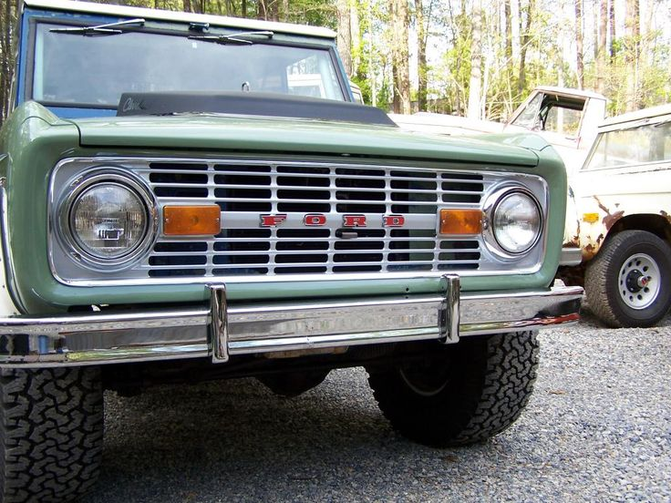 love the argent grill w/ red F O R D | Classic bronco ...