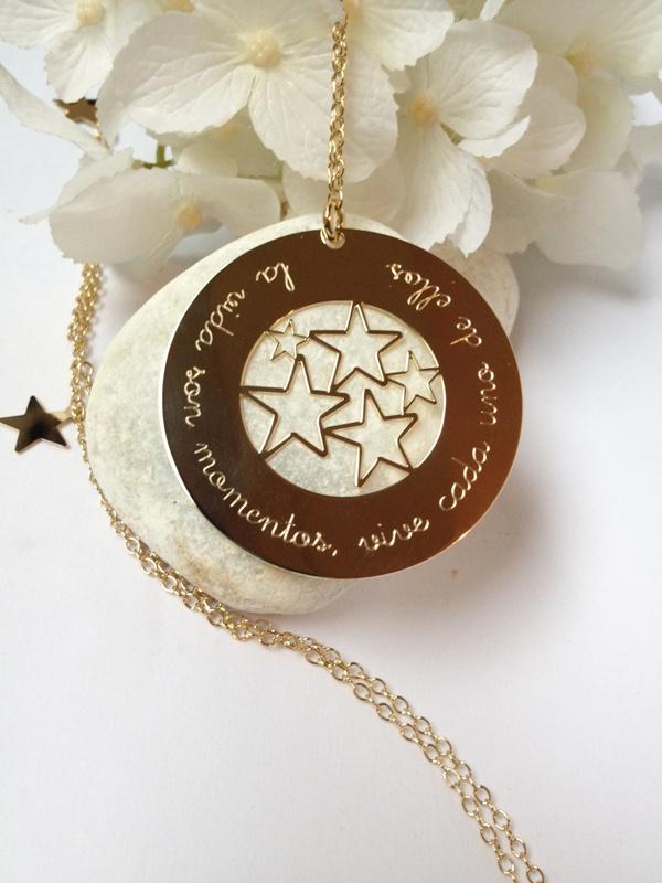 Collar largo estrellas.   #Regalos #personalizados #joyas #grabadas. #Gift